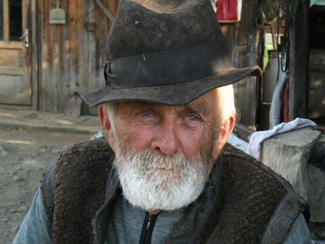 peasant-farmer-farmer-romania-botiza-47862
